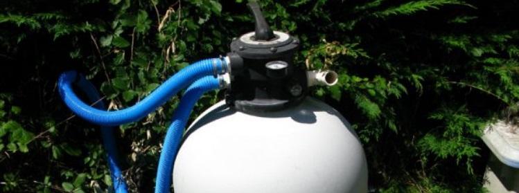 Le filtre à sable d'une piscine écologique