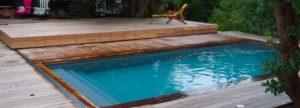 Couverture de piscine en bois