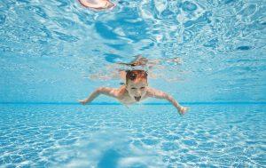 Eau piscine enfant